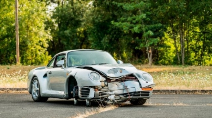El Porsche 959 destrozado de Monterey vendido por 467.500 $