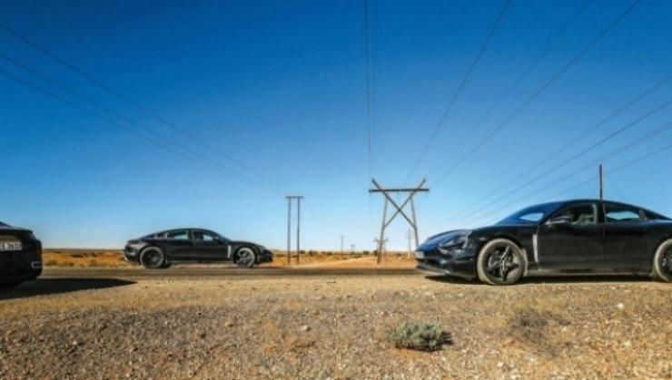 Nuevas fotos espía desvelan el interior del Porsche Taycan