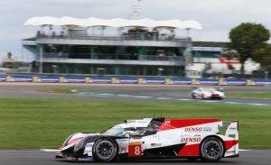 Buemi hace de héroe y mantiene el pleno del Toyota de Alonso en el WEC