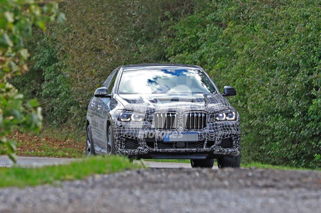El desarrollo del nuevo BMW X6 avanza dejando ver sus nuevas luces traseras
