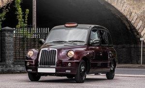 Kahn Design hace del clásico taxi londinense TX4 un vehículo de lujo
