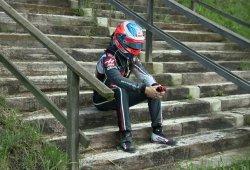 Grosjean, a sólo tres puntos de ser excluido por una carrera