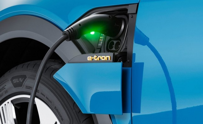 Audi e-tron - toma de carga