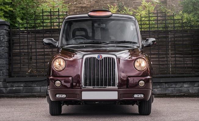 Taxi TX4 preparado por Kahn Design
