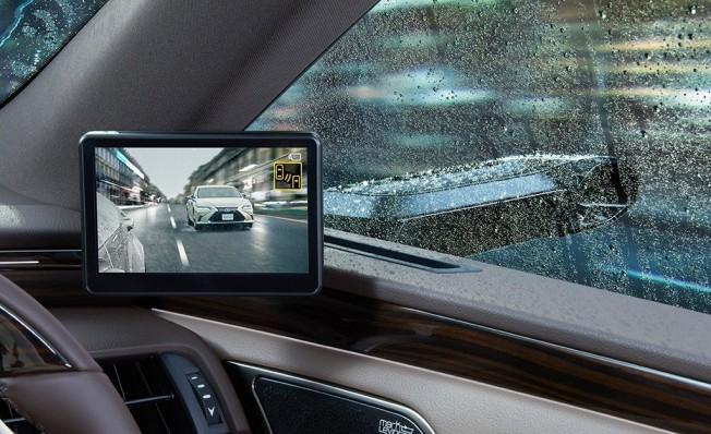 Lexus ES 2019 con espejos retrovisores digitales