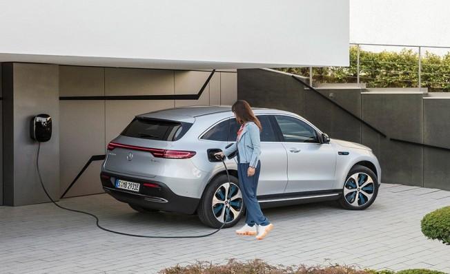 Mercedes EQC - posterior