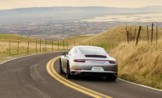 Porsche lanza en Estados Unidos un programa de coche compartido