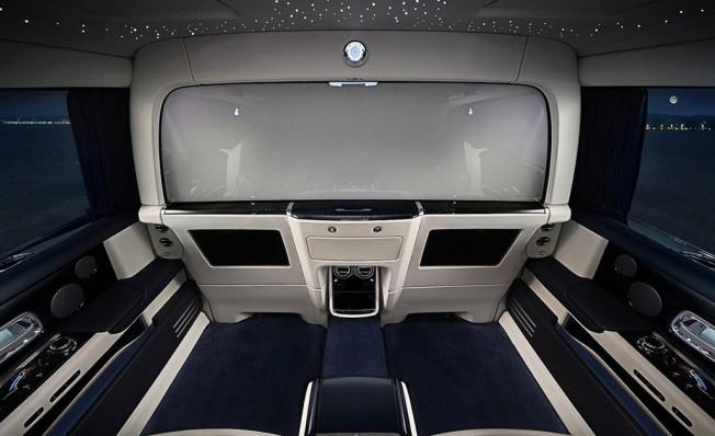 Rolls-Royce Phantom 2018 - interior