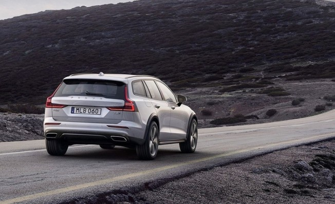 Volvo V60 Cross Country 2019 - posterior