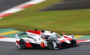 Kobayashi 'vuela' bajo en el FP3 de las 6 Horas de Fuji