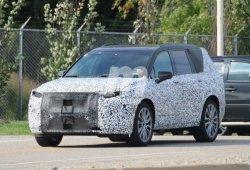 El nuevo Cadillac XT6 ya rueda con sus ópticas definitivas