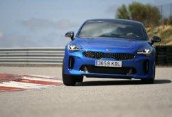 Emoción y adrenalina en el circuito de Monteblanco al volante de un Kia Stinger