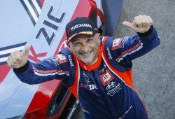Gabriele Tarquini acaricia el título del WTCR tras Suzuka