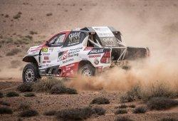 Al-Attiyah lidera el Rally de Marruecos, Sainz abandona