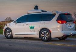 Volkswagen busca asociarse con Waymo en Europa