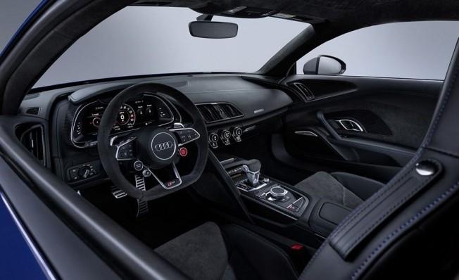 Audi R8 2019 - interior