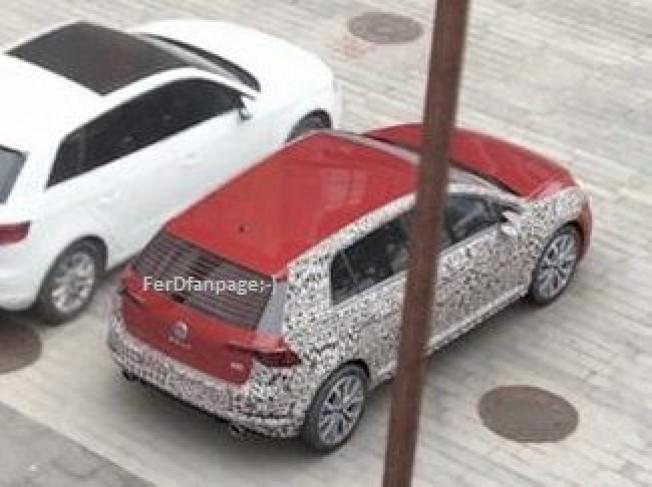 Volkswagen Golf 8 - foto espía