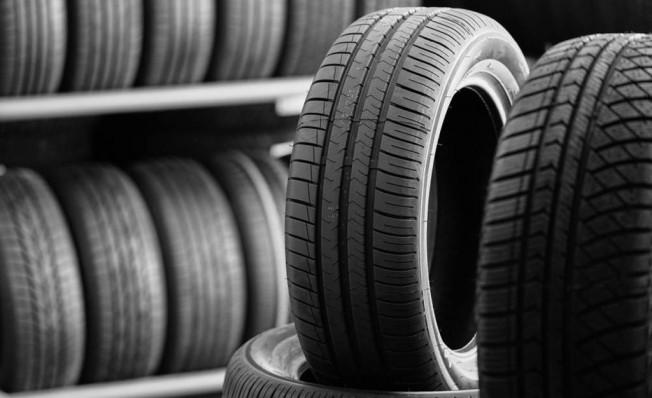 Europa prohíbe la venta de neumáticos poco eficientes