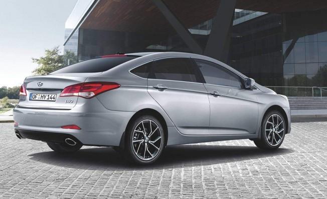 Hyundai i40 2019 - posterior