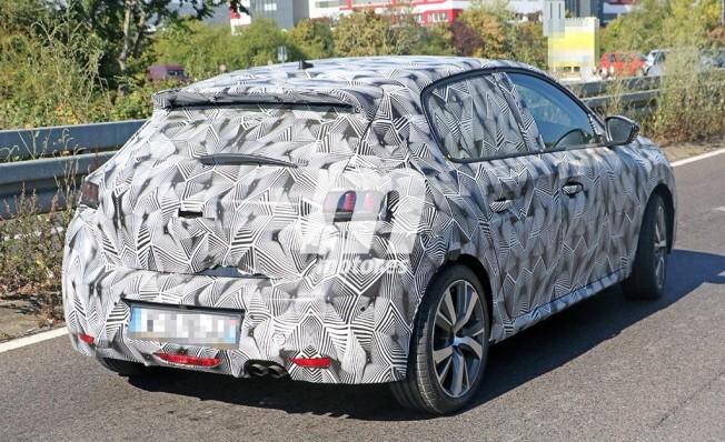 Peugeot 208 2019 - foto espía posterior