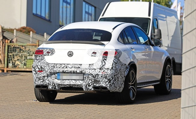 Mercedes-AMG GLC 63 Coupé 2019 - foto espía posterior
