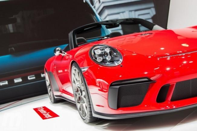 Porsche 911 Speedster Concept 2018 - frontal