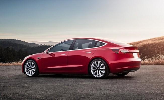 Tesla Model 3 - posterior