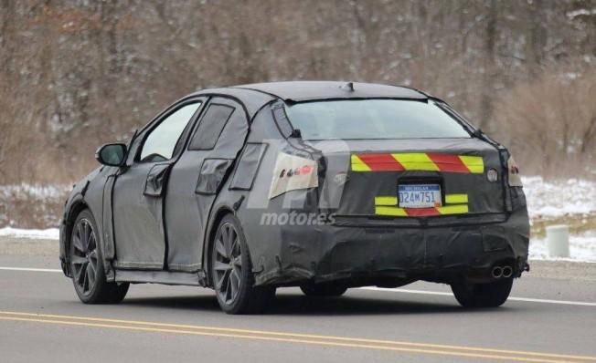 Toyota Corolla Sedán 2019 - foto espía posterior