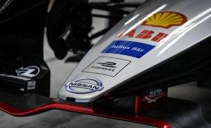 Casi veinte pilotos se ofrecen a Nissan para suplir a Albon