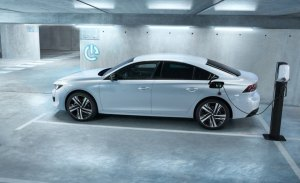 Habrá un Peugeot 508 R híbrido enchufable con más de 350 CV