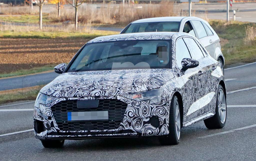 El nuevo Audi S3 se deja ver algo más ligero de camuflaje