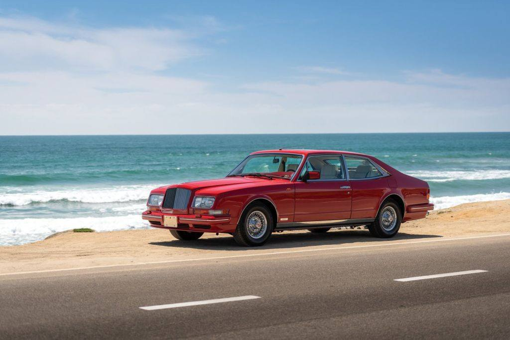 Uno de los escasos Bentley Turbo RL Empress II de Hooper a subasta