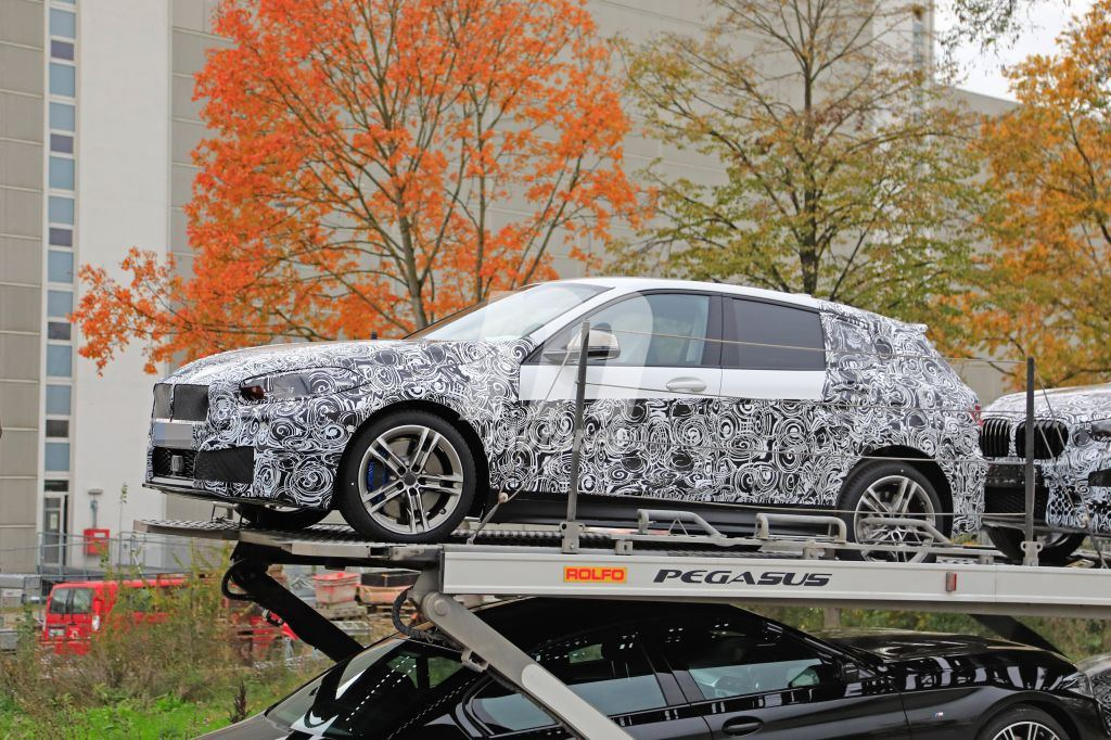 El nuevo BMW Serie 1 (F40) muestra novedades por primera vez en meses