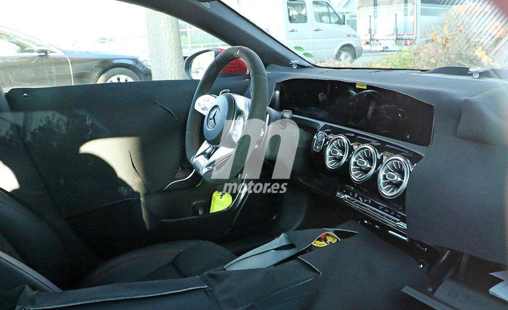 Un vistazo al interior del nuevo Mercedes CLA que llegará en 2019