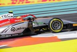 Podio de Roberto Merhi en Yas Marina, victoria de Fuoco