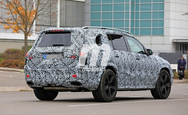 Mercedes-Maybach Clase GLS 2020 - foto espía posterior