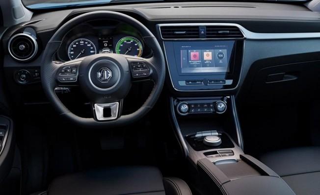 MG eZS - interior