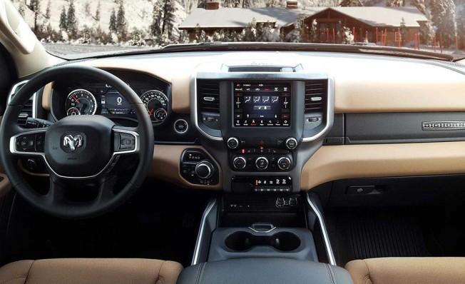 RAM 1500 North Edition - interior