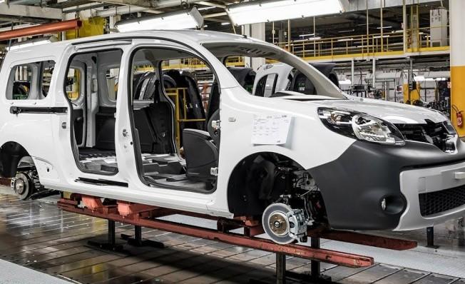 422580a393 Renault producirá en Francia las nuevas furgonetas de Nissan y ...
