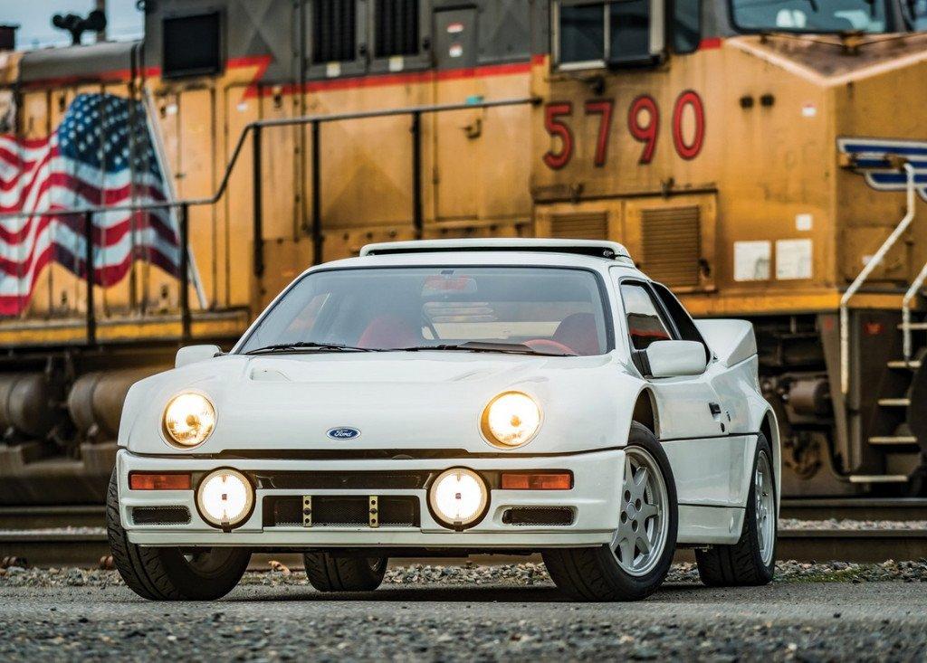 Impecable ejemplar de los raros Ford RS200 de calle a la venta