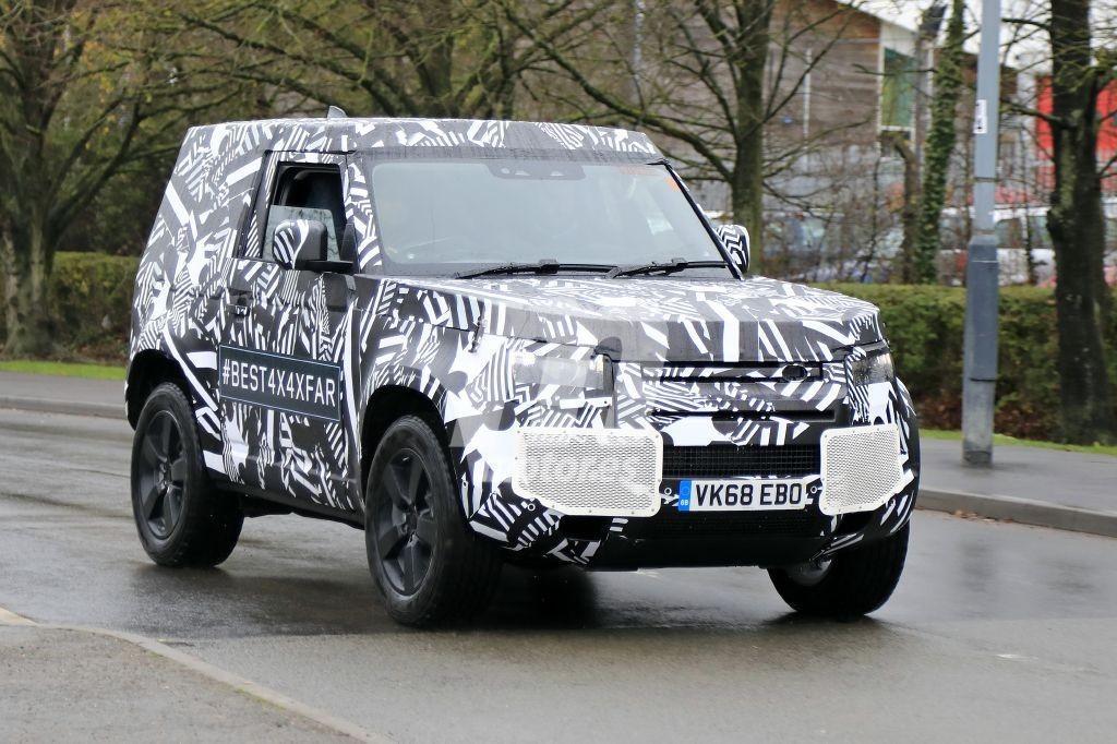 Cazan al nuevo Land Rover Defender 90 en pruebas cerca de la base de Solihull