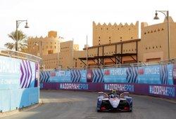 Sam Bird lidera el test de la Fórmula E en Arabia Saudí