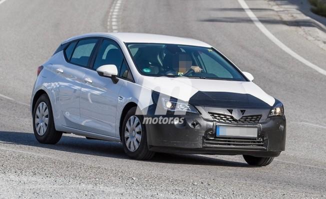 Opel Astra 2019 - foto espía