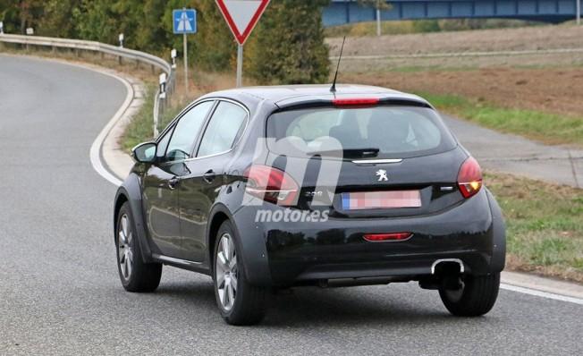 Peugeot 1008 - foto espía posterior