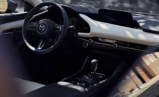 Mazda3 Sedán 2019 - interior