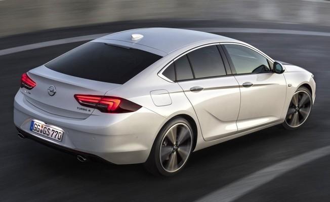 Opel Insignia Grand Sport - posterior