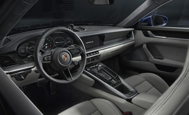 Porsche 911 2019 - interior