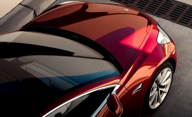 Tesla Model 3 - frontal