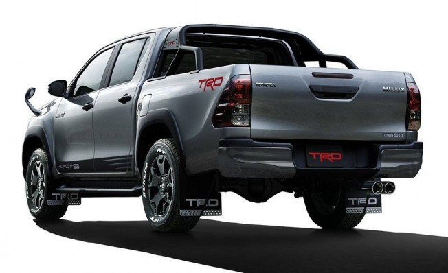 Toyota Hilux Black Rally Edition - posterior