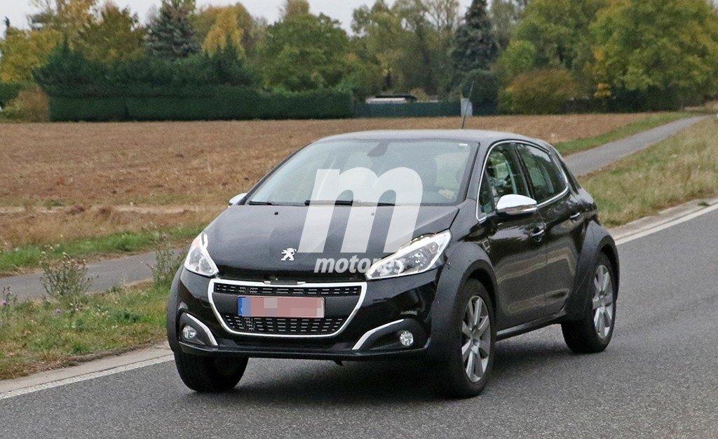 Avistada una mula de pruebas del Peugeot 1008, el nuevo SUV francés
